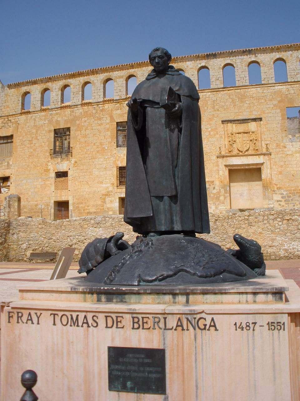 Tomas de Berlanga's statue