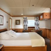 owners cabin yacht isabela ii
