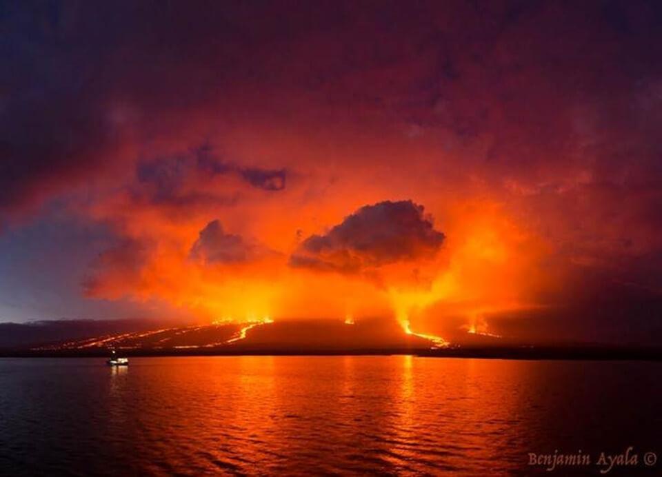 Sierra Negra volcano eruption in July 2018