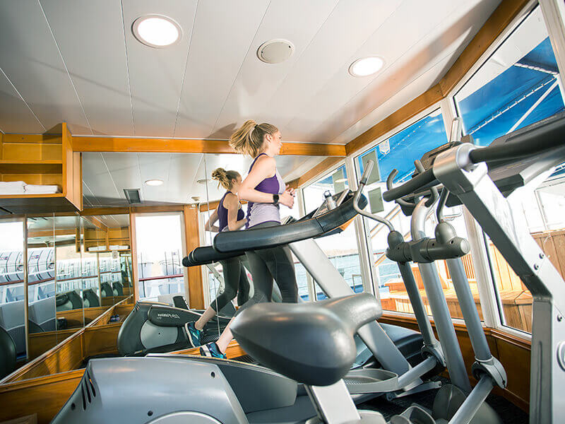 Yacht Isabela features: fitness room